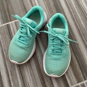 Nike girls tanjun 1.5